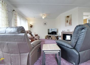 Thumbnail 3 bed mobile/park home for sale in Palm Grove Court, Thorne