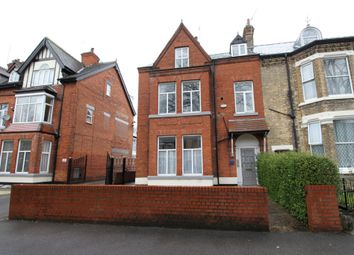Thumbnail 2 bed flat to rent in Westbourne Avenue, Princes Avenue