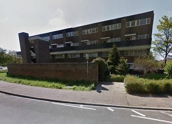 Thumbnail 1 bed flat to rent in Amberly Drive, Crawley