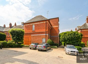 Hampstead Avenue, Repton Park, Woodford Green IG8. 4 bed flat