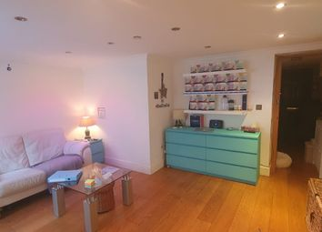 Thumbnail 1 bed flat to rent in Chilworth Street, London