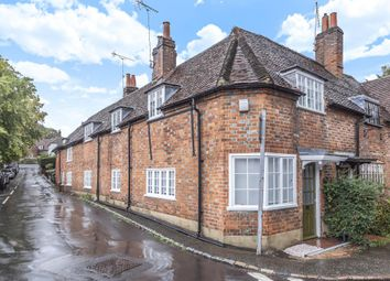 Thumbnail 2 bedroom cottage for sale in Sonning On Thames, Central Village Location