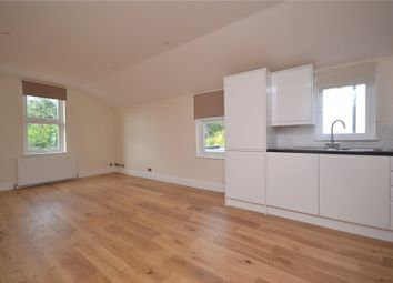 Thumbnail 3 bed flat to rent in Grosvenor Road, London