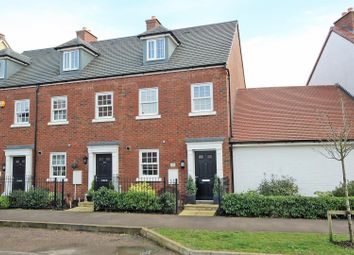 3 bed town house for sale in King Alfred Way, Bedford MK40