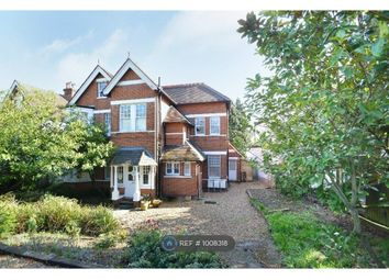 2 bed flat to rent in Ashley Road, Walton-On-Thames KT12