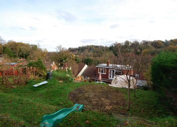 3 bed property for sale in Cliffe Rise, Godalming GU7