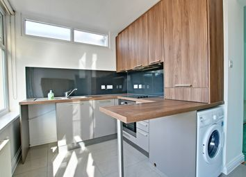 Thumbnail 4 bed flat to rent in Ruskin Walk, Bromley