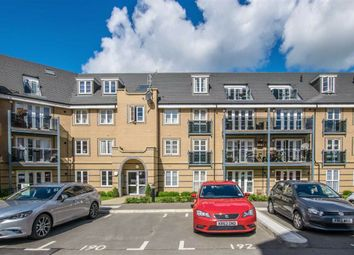 2 bed flat for sale in Hillside Court, Hertford, Herts SG13