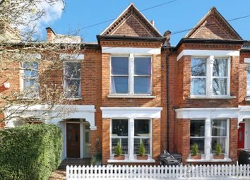 Thames Road, London W4. 2 bed flat for sale