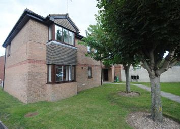 Thumbnail Flat to rent in Royal Way, Starcross, Exeter