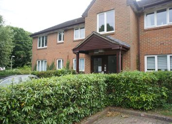 Thumbnail 2 bedroom flat to rent in Tilebarn Close, Henley On Thames