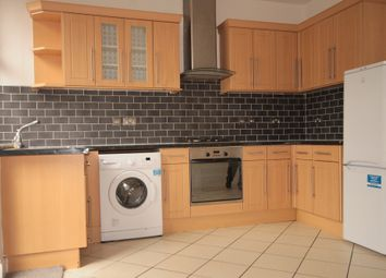Thumbnail 3 bed flat to rent in Salterton Road, Holloway