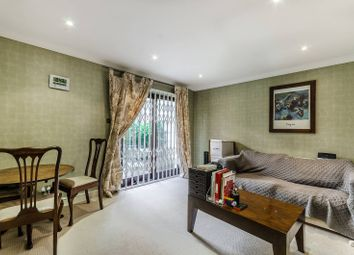 Thumbnail 1 bed flat to rent in Heathcote Street, Bloomsbury, London