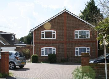 Thumbnail 2 bed flat to rent in Windmill Road, Haddenham, Aylesbury