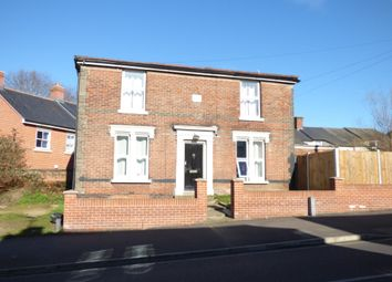 Thumbnail Room to rent in Military Road, Colchester