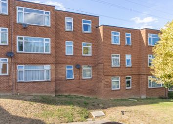2 bed flat to rent in Halstead Close, Hales Place, Canterbury CT2