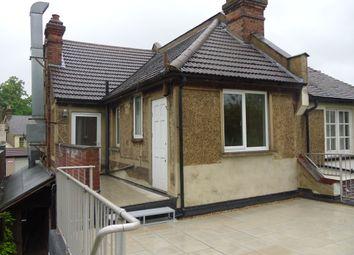 2 bed maisonette to rent in Gordon Road, Carshalton Beeches SM5