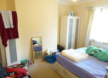 Thumbnail Property to rent in Sandringham Road, Golders Green, London
