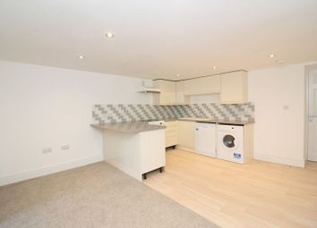 Thumbnail 2 bed flat to rent in Cleveland Road, Torquay