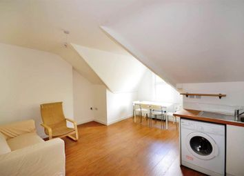 Thumbnail 1 bedroom flat to rent in Archway Road, Highgate