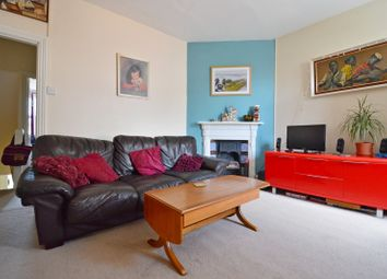 Thumbnail 2 bed flat to rent in Station Road, Liss