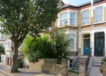 Ommaney Road, New Cross SE14. 1 bed flat