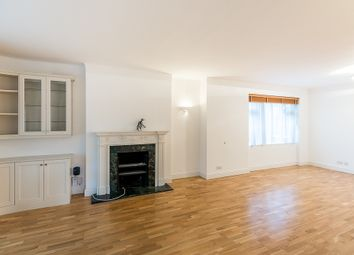 Thumbnail 3 bedroom flat to rent in Avenue Close, London