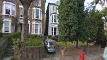 Thumbnail 4 bed flat to rent in Fordwych Road, London
