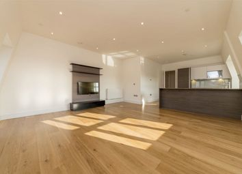 Thumbnail 2 bedroom flat for sale in Crescent House, Crescent Lane, Clapham