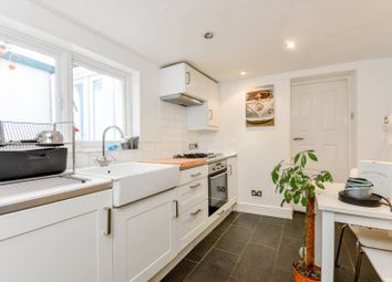 Thumbnail 3 bed flat to rent in Nunhead Grove, Peckham Rye