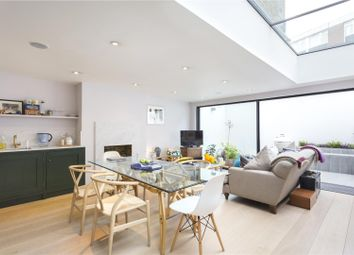 Thumbnail 2 bed flat for sale in Juer Street, London