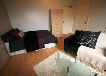 Thumbnail 1 bed property to rent in Moor View, Hyde Park, Leeds