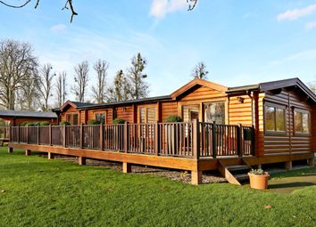 Thumbnail 3 bed bungalow to rent in Manor View, Harleyford, Marlow