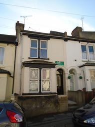 Thumbnail 1 bed flat to rent in Castle Avenue, Rochester