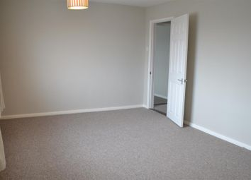 Thumbnail 2 bedroom flat to rent in The Parade, Mulfords Hill, Tadley