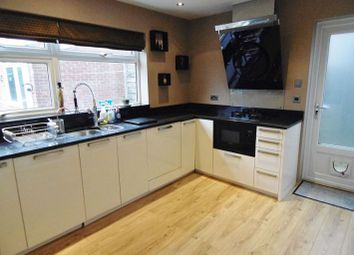 Thumbnail Detached house to rent in Droxford Crescent, Tadley