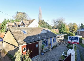 Thumbnail 2 bedroom detached bungalow to rent in Heronsgate Road, Chorleywood, Hertfordshire