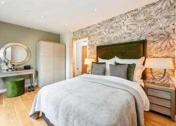 Thumbnail 3 bedroom flat for sale in Southdown Road, Harpenden