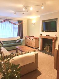 2 bed flat to rent in Underwood Road, Caterham, Surrey CR3