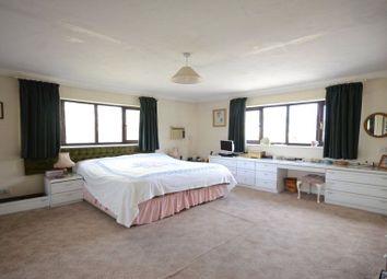 Thumbnail 6 bed detached house for sale in Hildens Drive, Tilehurst, Reading