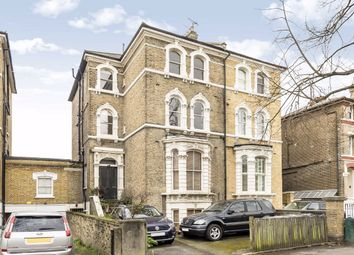 4 bed flat to rent in Macaulay Road, London SW4