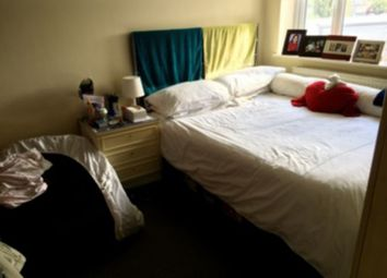 Thumbnail 2 bed flat to rent in The Vale, Golders Green, Crickelwood