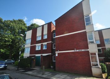 2 Bedrooms Flat to rent in Cleanthus Close, London SE18