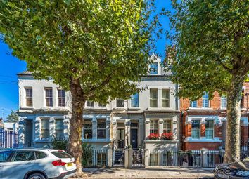 Thumbnail 3 bed flat to rent in Barclay Road, Fulham, London
