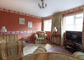 Thumbnail 3 bedroom flat for sale in Kirkstall House, Sutherland Street, Pimlico, London