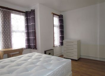 Thumbnail Room to rent in Winter Avenue, Newham