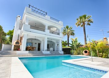 Thumbnail 4 bed villa for sale in Nueva Andalucia, Marbella, Málaga, Andalusia, Spain