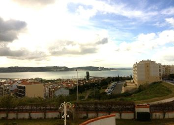 Thumbnail 4 bed apartment for sale in Algés Linda-A-Velha E Cruz Quebrada-Dafundo, Algés, Linda-A-Velha E Cruz Quebrada-Dafundo, Oeiras
