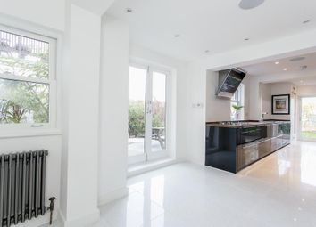 Thumbnail 5 bed property to rent in Station Road, Finchley, London