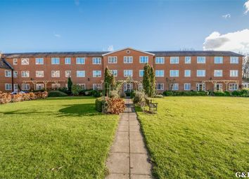 Thumbnail 2 bed flat for sale in Lakeside Gardens, Hothfield, Kent